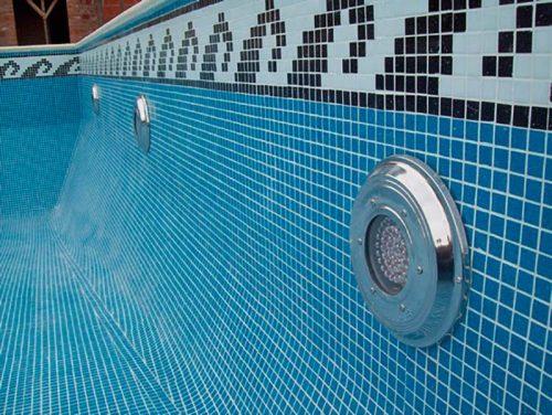 Mantenimiento de piscinas. Limpieza de Venecitas